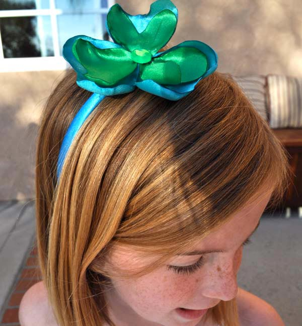 Craft Your Own Satin Shamrock Headband with your Tween - Club Chica Circle