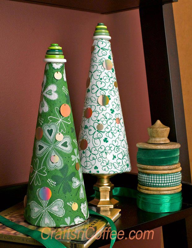 A Shamrock Topiary Cone - Crafts 'n Coffee