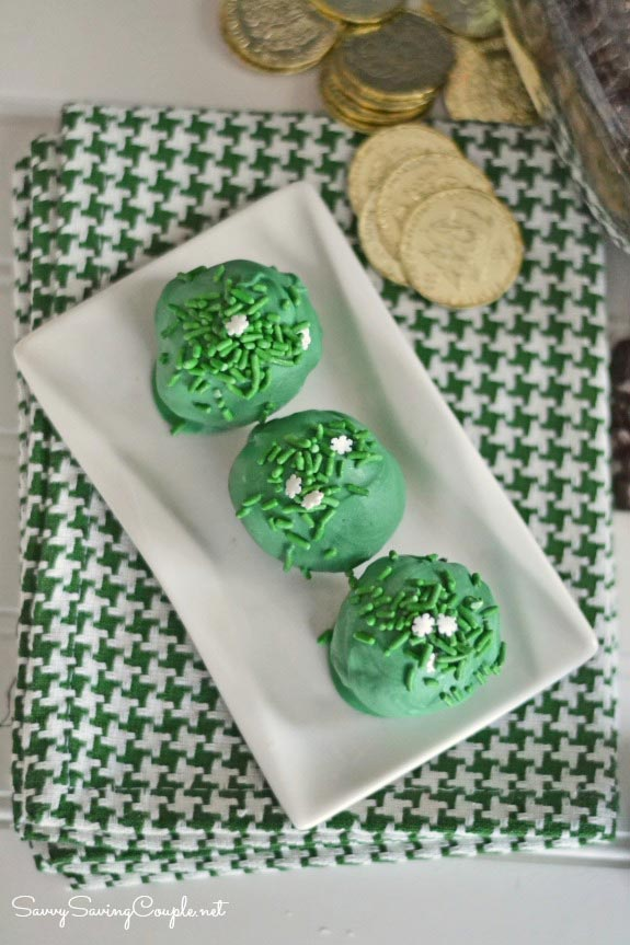 St. Patrick's Day Green No-Bake Oreo Ball Truffles Recipe - Savvy Saving Couple