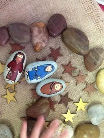 What a great way to learn the nativity story - with stones!
