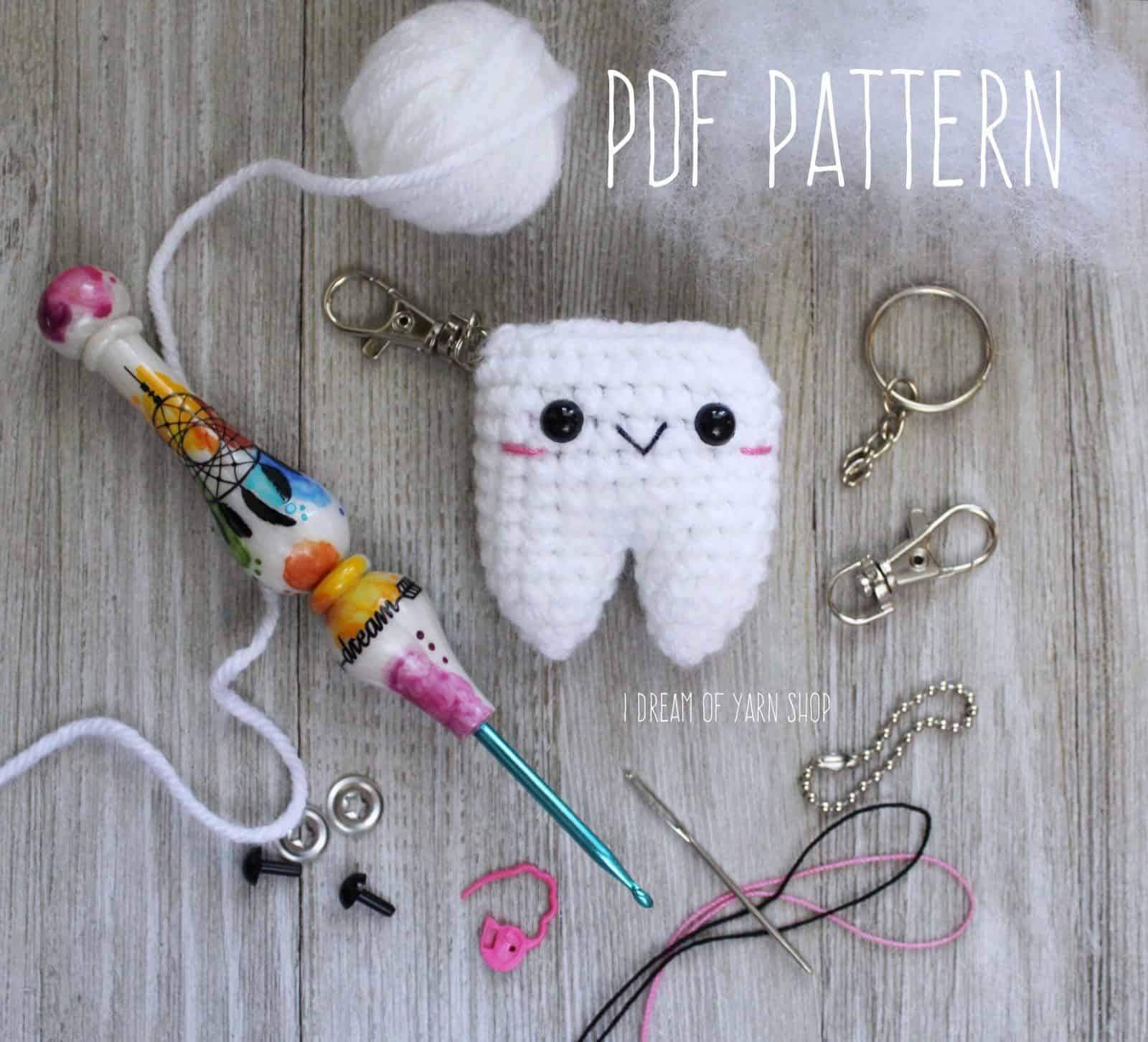 Tooth keyring crochet pattern