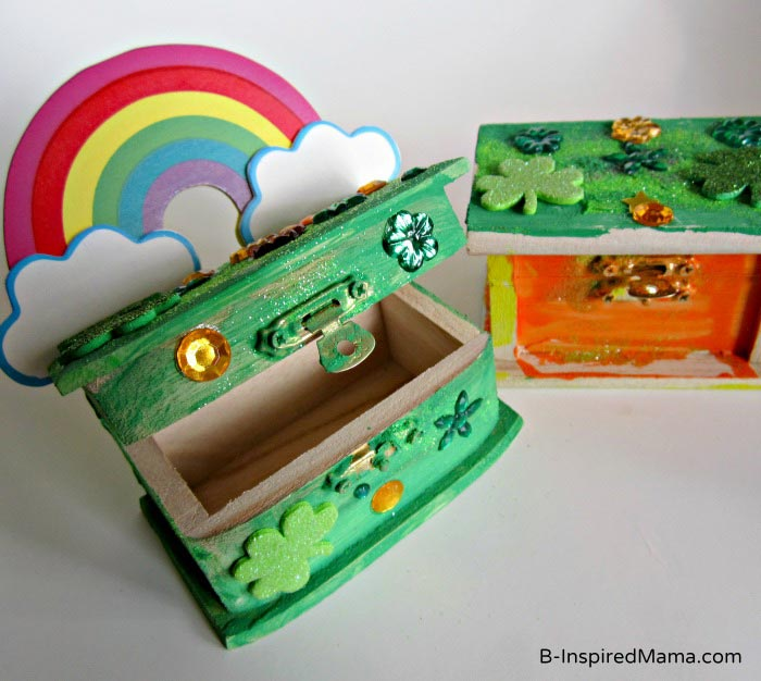 A Sparkling Leprechaun Trap Box St. Patrick Craft for KidsB-Inpsired Mama