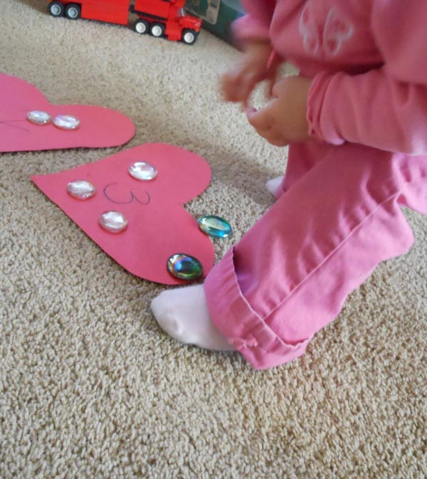 Valentine Game for Toddlers - Valentine Heart Hop