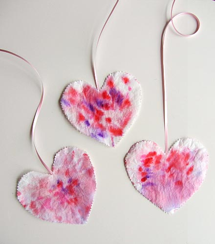 Simple Heart Craft For Toddlers - No Time for Flashcards
