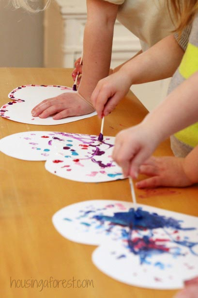 Fine Motor Valentine's Day Art for Toddlers ~ Learn Play Imagine