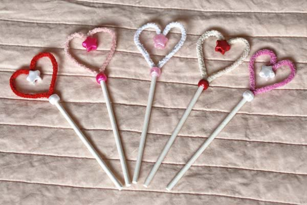 Pipe Cleaner Hearts - ZingZingTree