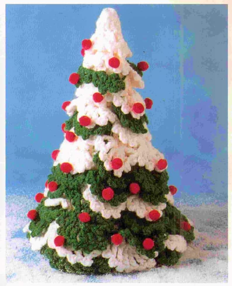 Vintage Snowy Christmas Tree Pattern