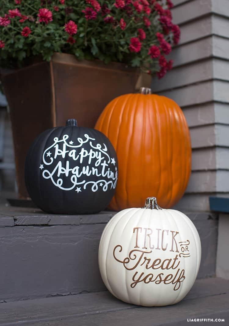Vinyl Lettered Halloween Pumpkins