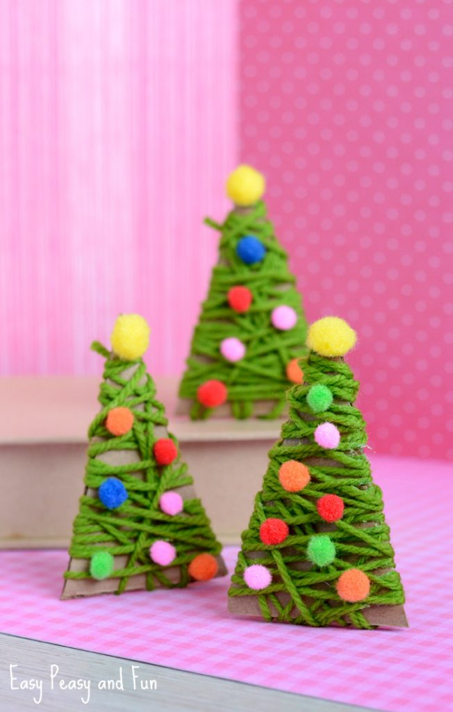 Oh these yarn wrapped Christmas trees are SUPER CUTE! What a brilliant crafts to do with preschoolers to improve their fine motor skills!