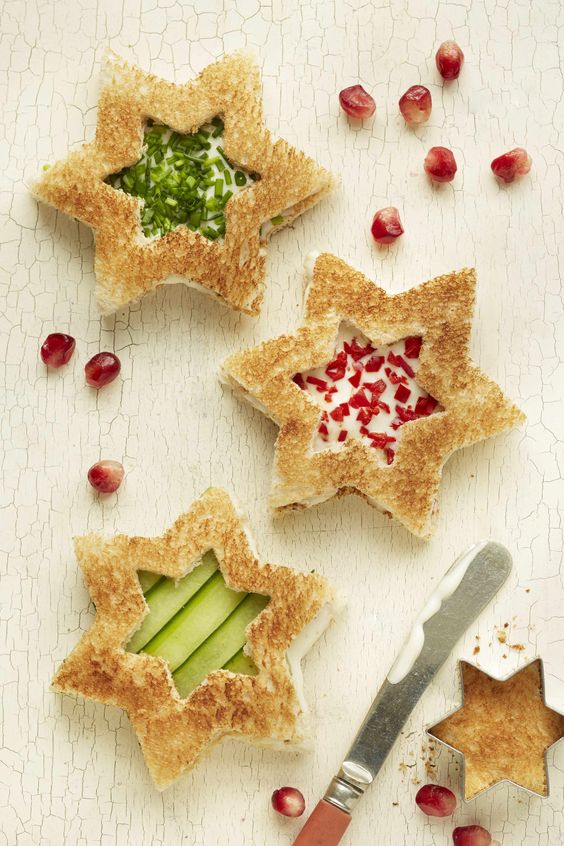 LOVE these star shaped sandwiches! Now my kids can