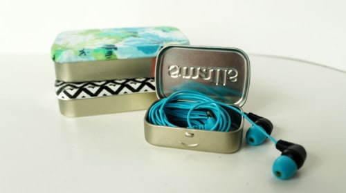 Altoid Tin: Repurpose your Altoid tin into a headphone case