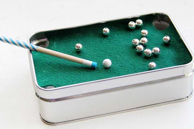 Altoid Tin: Make a miniature pool table for DadALTHERE