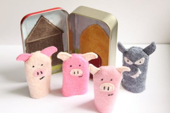 Altoid Tin Toys: Make a theatre for the three little pigs