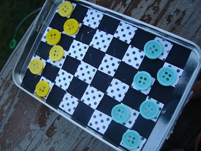 Altoid Tin Toys: Make a travel checkers game