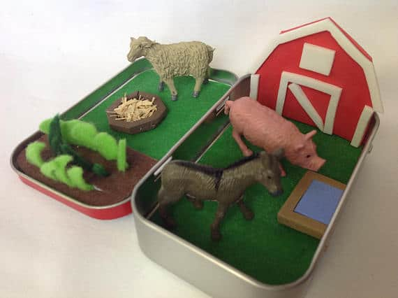 Altoid Tin Toys: Fill it with farm animals