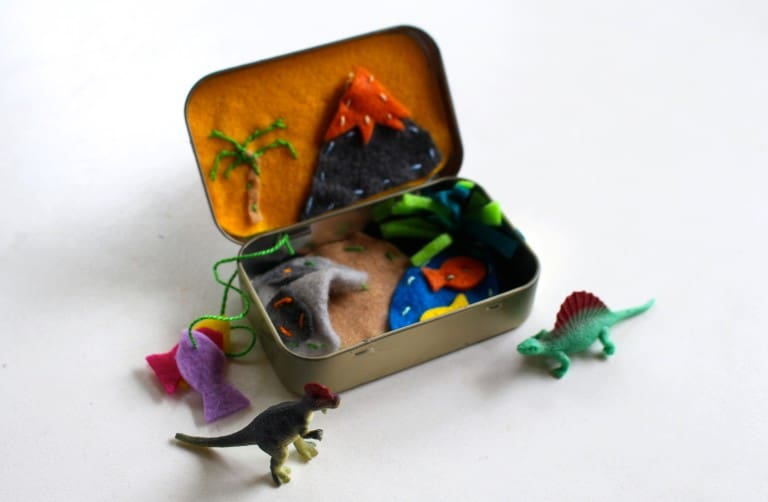 Altoid Tin Toys: Make a dinosaur land playset