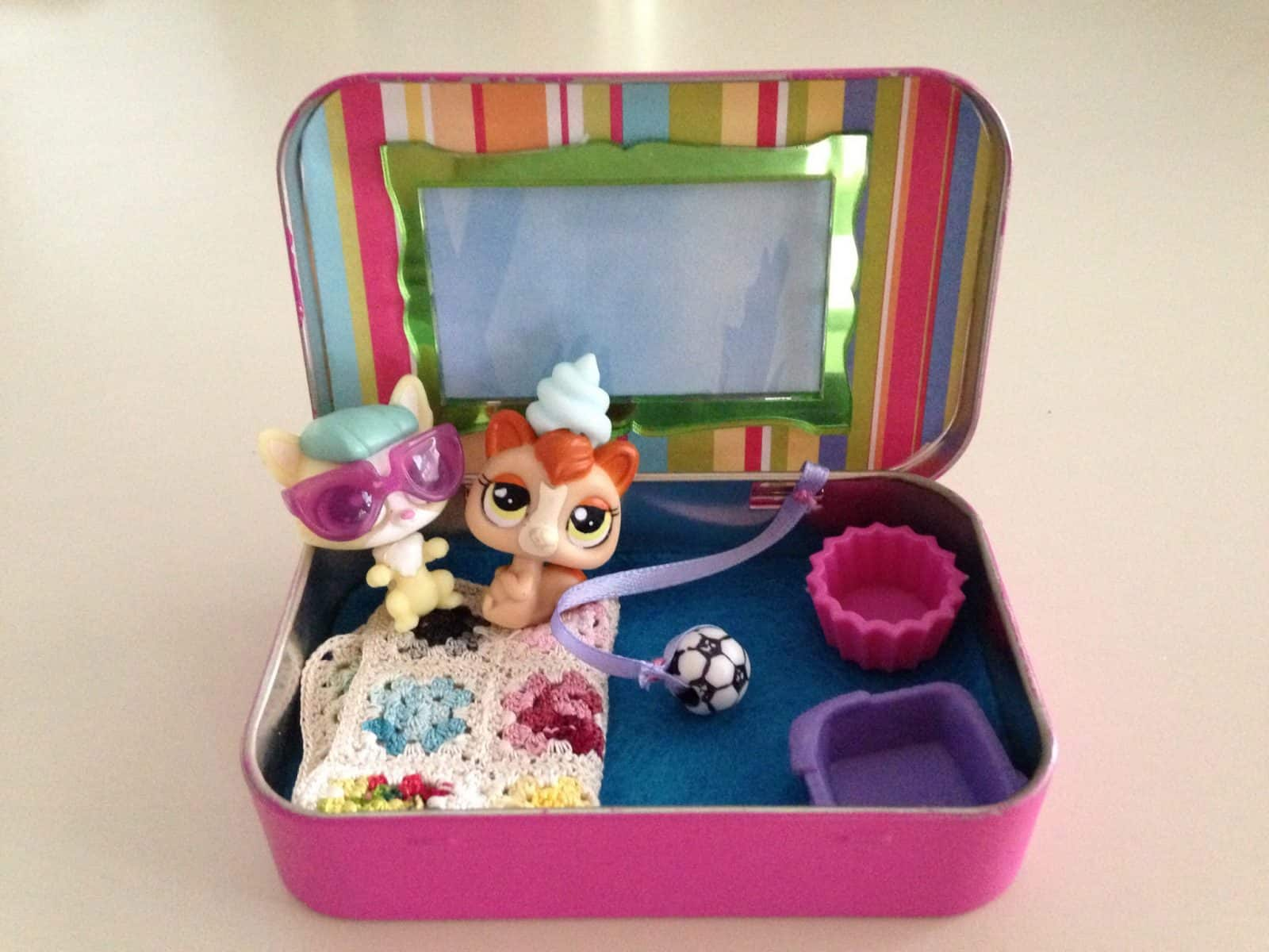 Altoid Tin Toys:  Create a miniature pet hotel