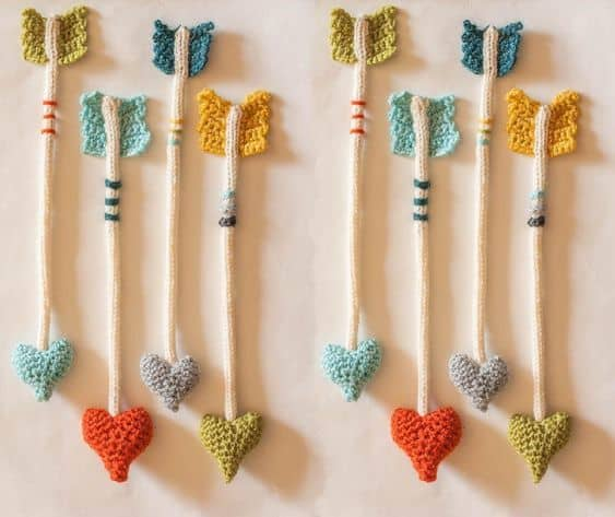 Shoot some love into your life with these amigurumi heart arrows. I can think of so many things to do with these!