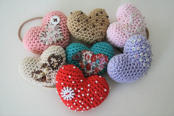These tiny embellished hearts are sweet, humorous and just a little bit naive. They are suitable as a gift on any day, Valentine`s Day or if you wish to share a special message.