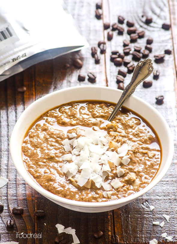 Want to know the secret to DELICIOUS oatmeal? Make it the night before using this recipe!