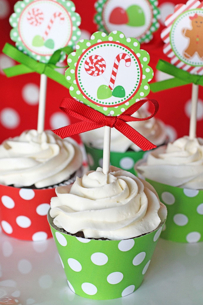 These Christmas cupcake toppers are perfect for a gingerbread man themed Christmas party!
