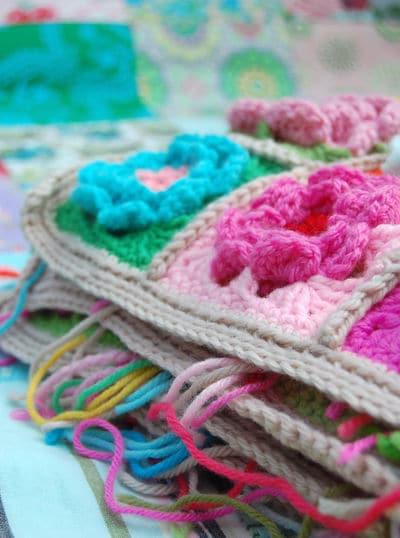 Crochet pattern for a flower square blanket