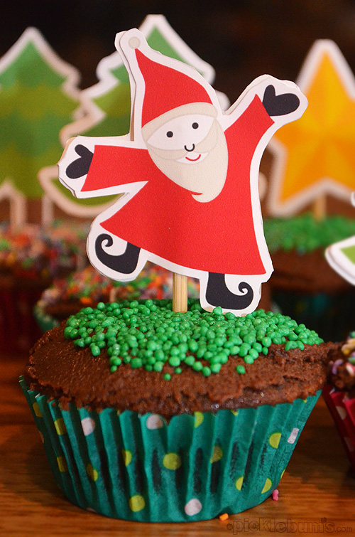 SUPER CUTE and so EASY to make! Just print, cut and stick him in your cupcake!