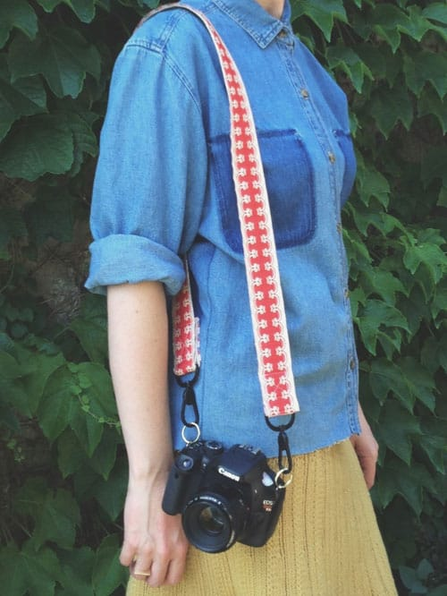 DIY Vintage Ribbon Camera Strap