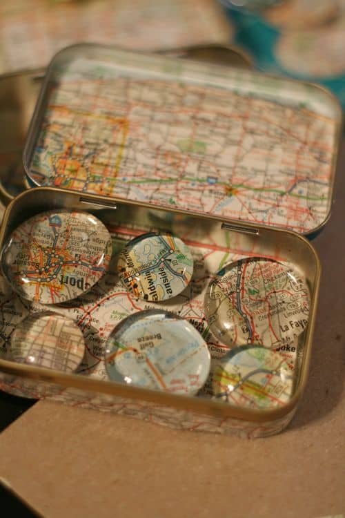 Altoid Tins+Clear Pebbles = Cool Magnets!