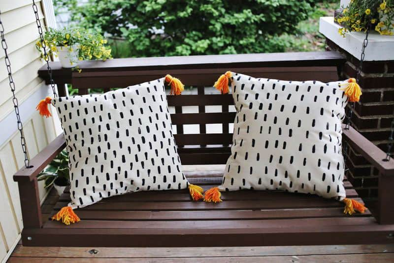 Super Cute (and Quick) DIY Porch Pillows