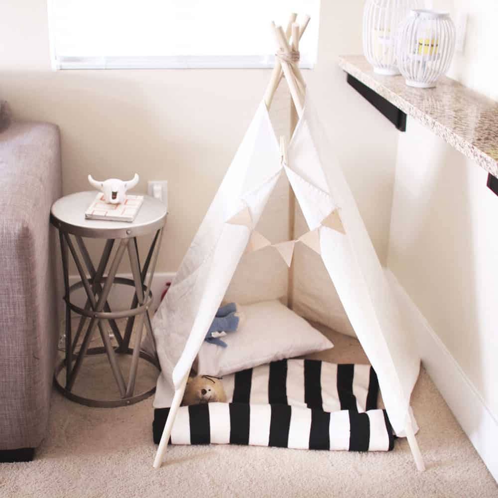 DIY Dog Teepee