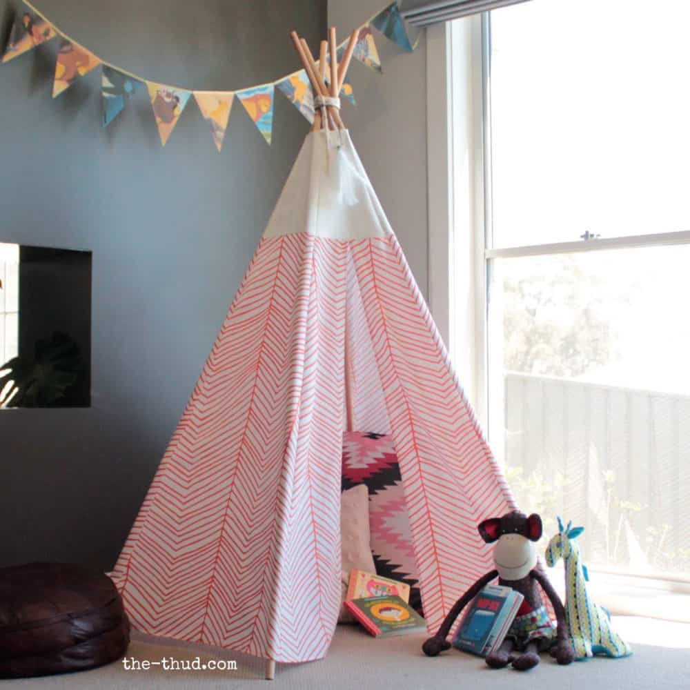 DIY Kid's Teepee