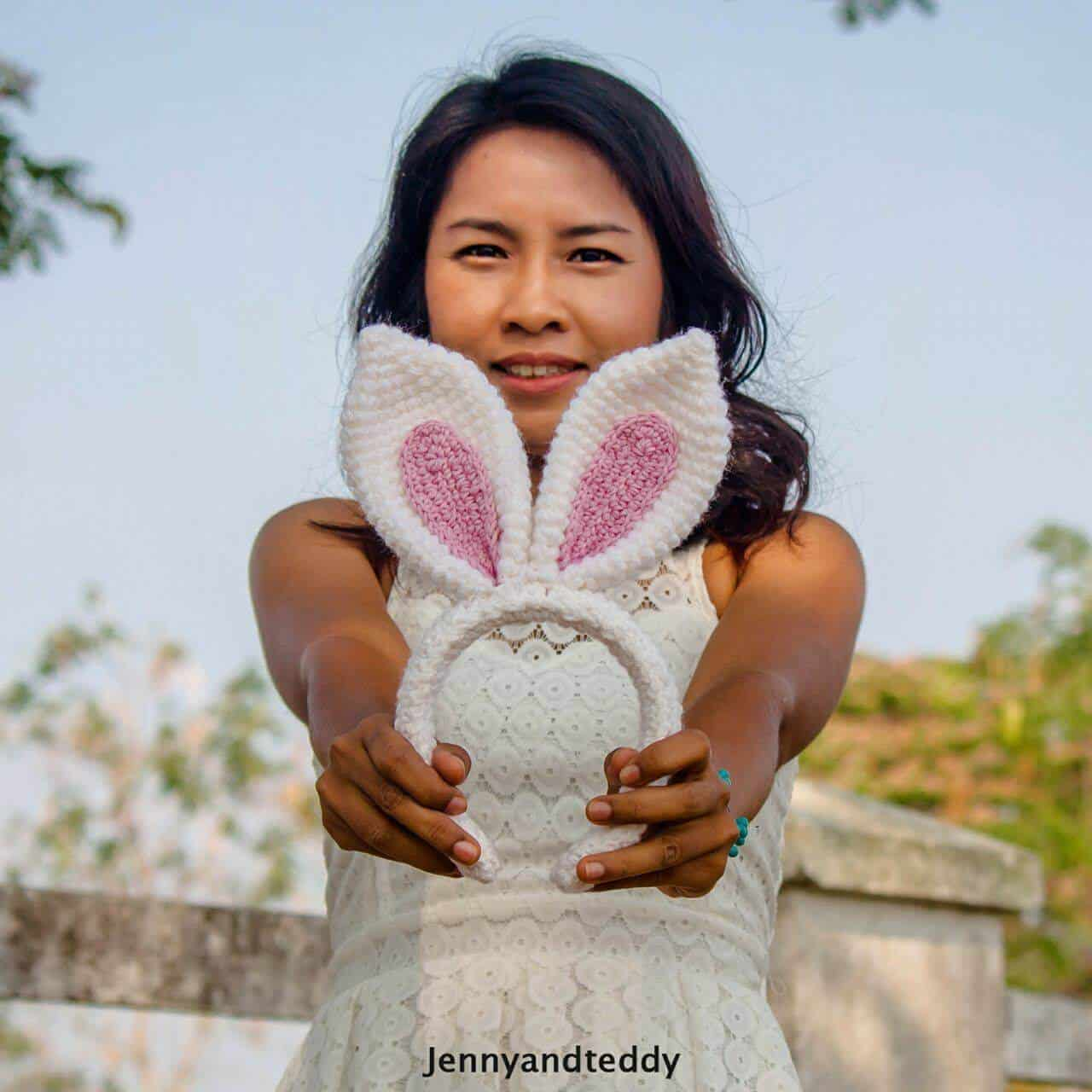 30-Minute Bunny Ear Headband Free Crochet Pattern