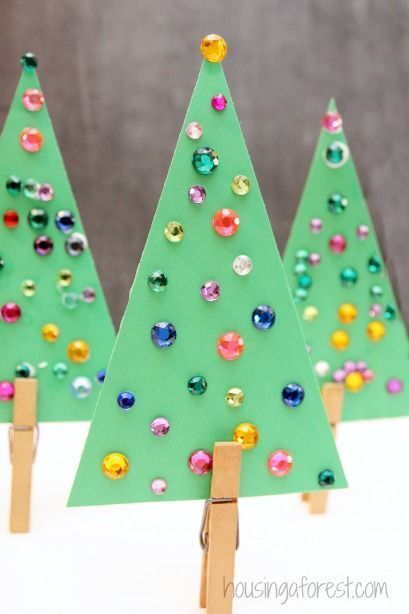LOVE this! A QUICK and EASY Christmas tree craft that even toddlers can have fun with!