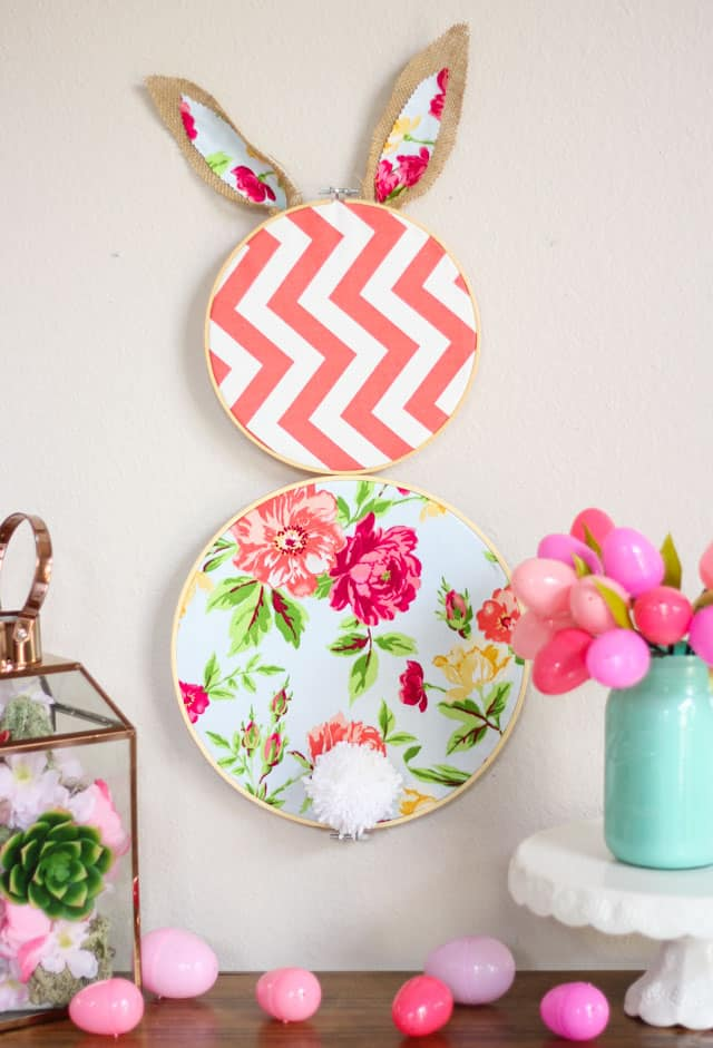 DIY Embroidery Hoop Easter Bunny