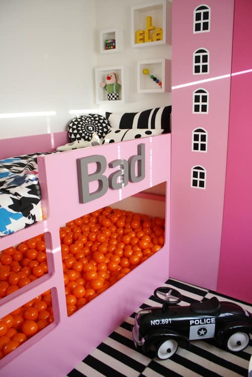 Loving this KURA bed hack!