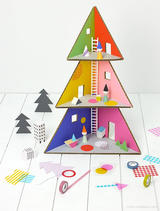 Oh my goodness this Christmas Tree dollhouse is GENIUS! I've never seen anything like it!
