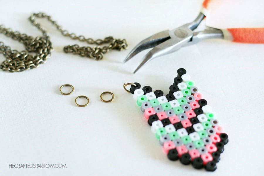 Chevron Perler Bead Necklace Tutorial