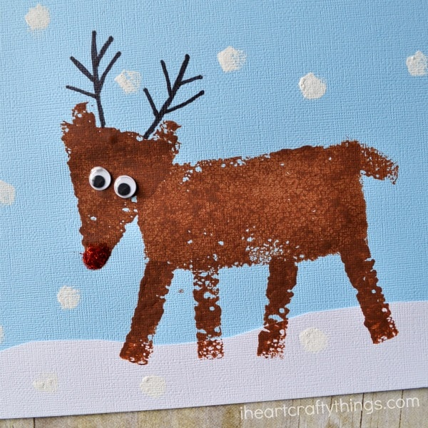 My kiddos LOVE painting so we are DEFINITELY trying out this sponge painting Rudolph!
