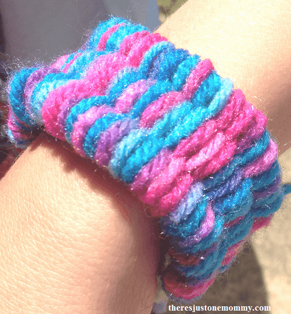 Make a Colorful Bracelet with Soda Straw Weaving