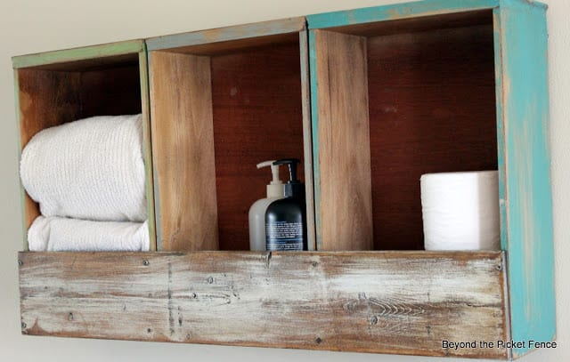 Turn your drawer into bathroom storage
