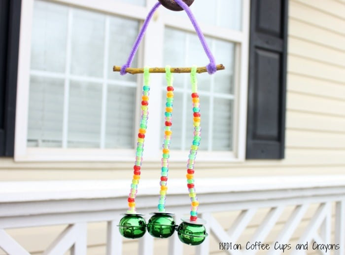 Simple pipe cleaner wind chime craft for kids